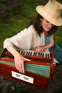 sarah patterson - the singing path with harmonium