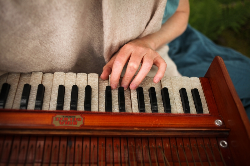 the singing path with sarah patterson playing the harmonium